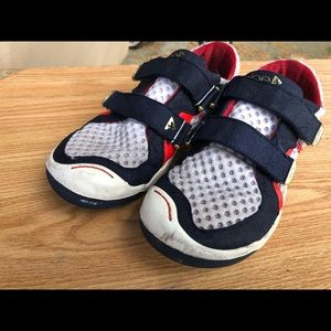 Place -Youth-Boy's Suede-Air-Mesh-Easy-On-Sneakers